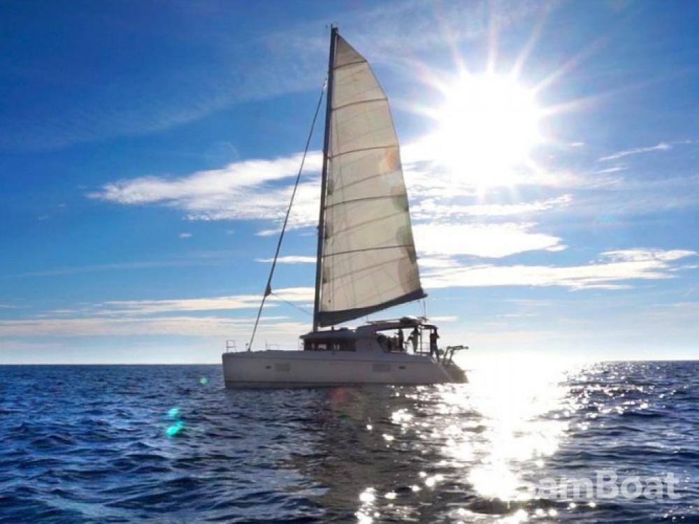Location bateau Leucade pas cher Lagoon 421