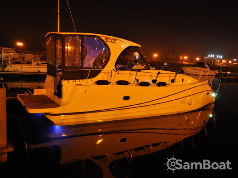 Location bateau Tes Tes 393 Illuminatus à Port PTTK Wilkasy sur Samboat