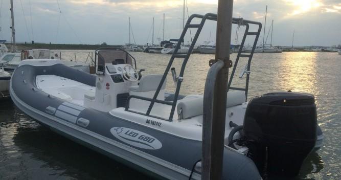 Location bateau Lège-Cap-Ferret pas cher LED 680