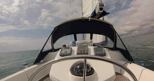 Location bateau Jeanneau Sun Odyssey 35 à Les Sables-d'Olonne sur Samboat