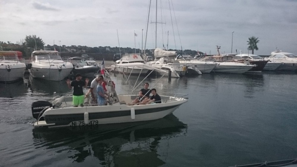 Rental Motor boat in Antibes - Ultramar OPEN 570