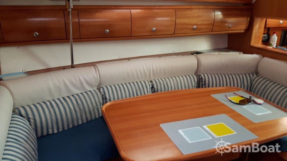 Louez un Bavaria Cruiser 38 à Port Grimaud