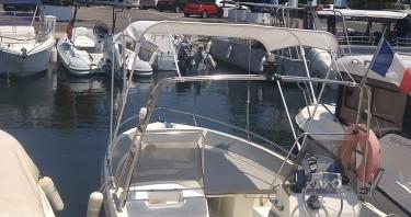 Louer Bateau à moteur avec ou sans skipper Ultramar à Antibes