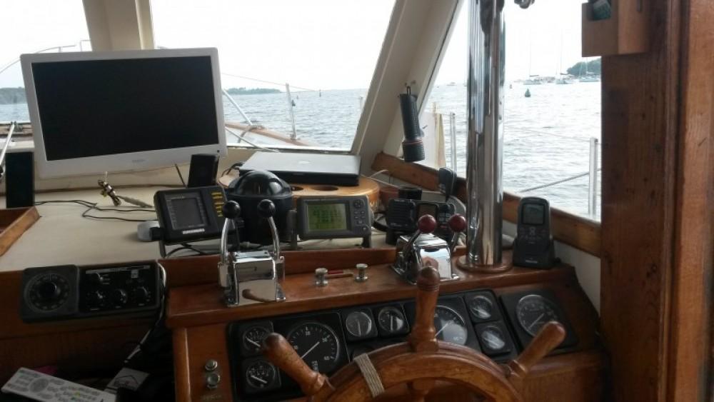 Vermietung Motorboot Island Gypsy mit Führerschein