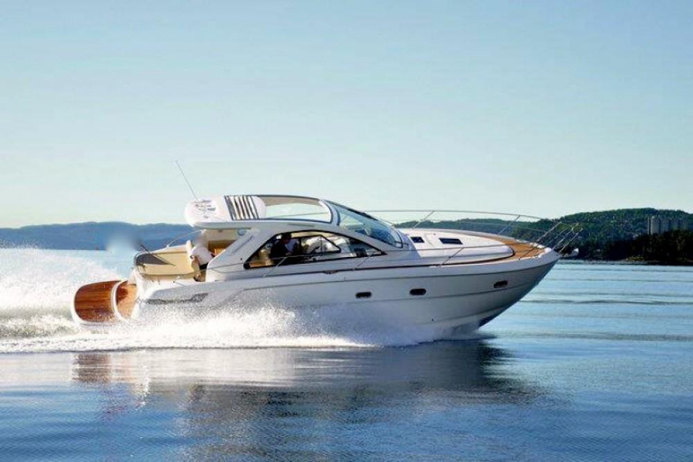 Noleggio yacht Cannes - Bavaria Bavaria 38 Hard Top su SamBoat