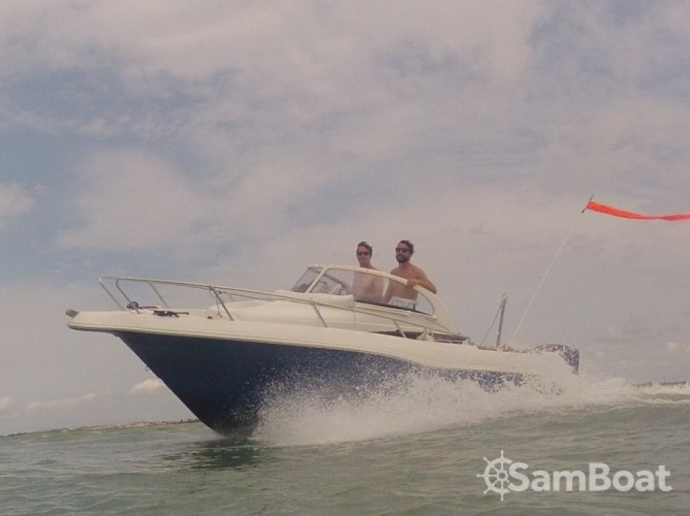 Boat rental La Rochelle cheap Quicksilver 630 WA