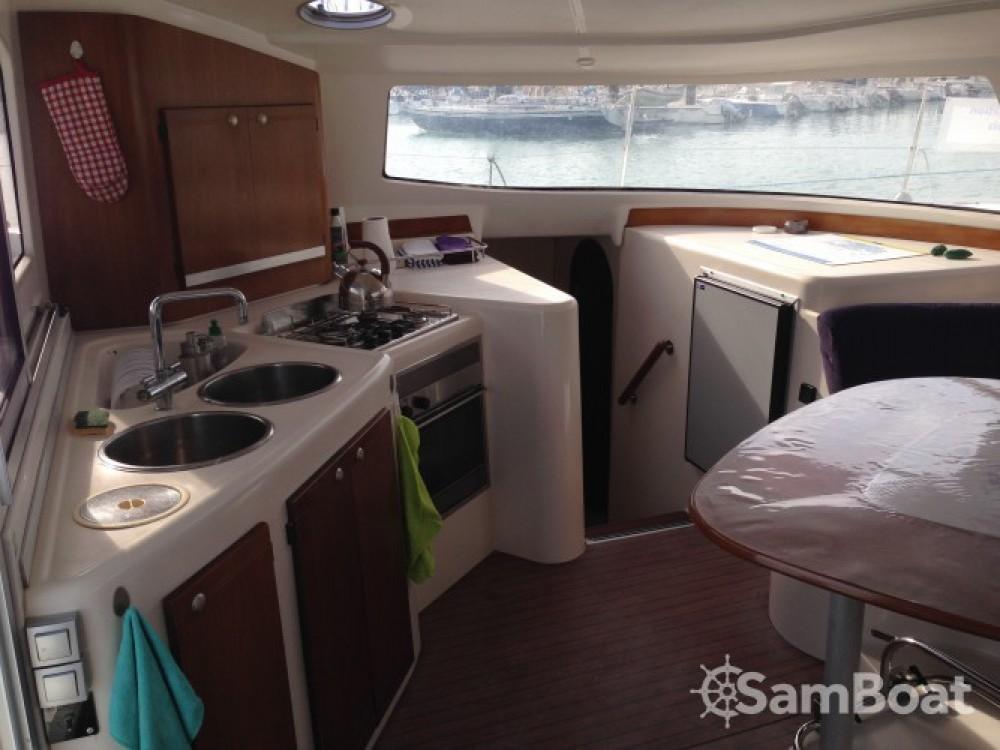 Location Catamaran à La Rochelle - Fountaine Pajot Lavezzi 40
