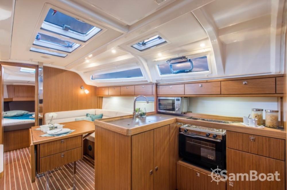 Verhuur Zeilboot in Golfe-Juan - Bavaria Cruiser 37