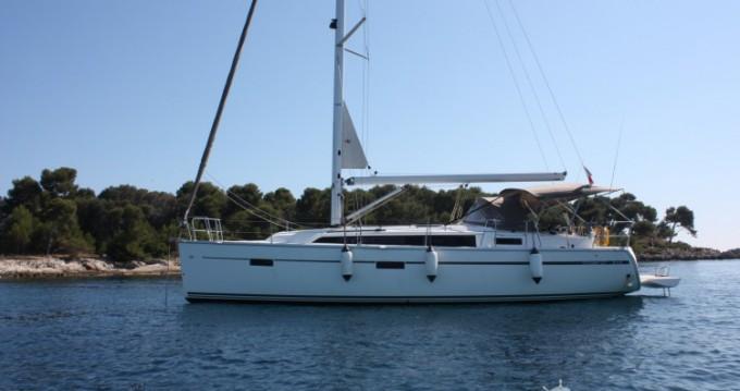 Louez un Bavaria Cruiser 37 à Vallauris