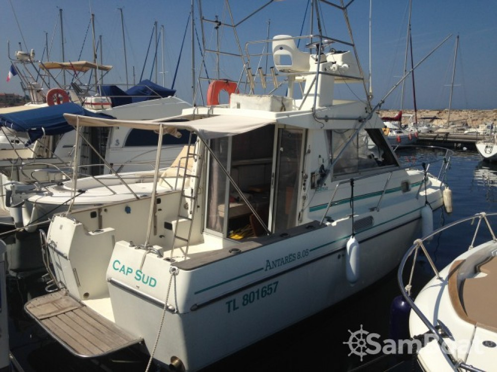 Bénéteau Antares 805 Fly te huur van particulier of professional in Six-Fours-les-Plages
