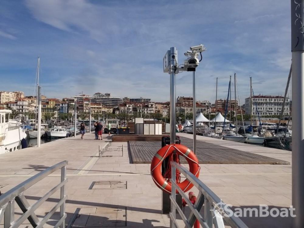 Jeanneau Sun Odyssey 36i zwischen Privatpersonen und professionellem Anbieter Cannes