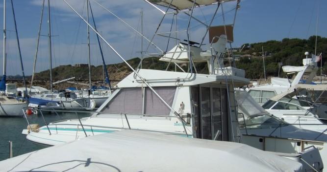 Noleggio Barca a motore con o senza skipper Bénéteau Six-Fours-les-Plages