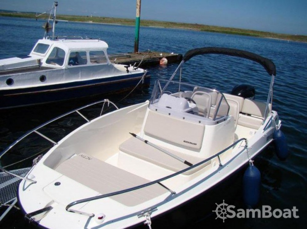 Motor boat for rent Lège-Cap-Ferret at the best price
