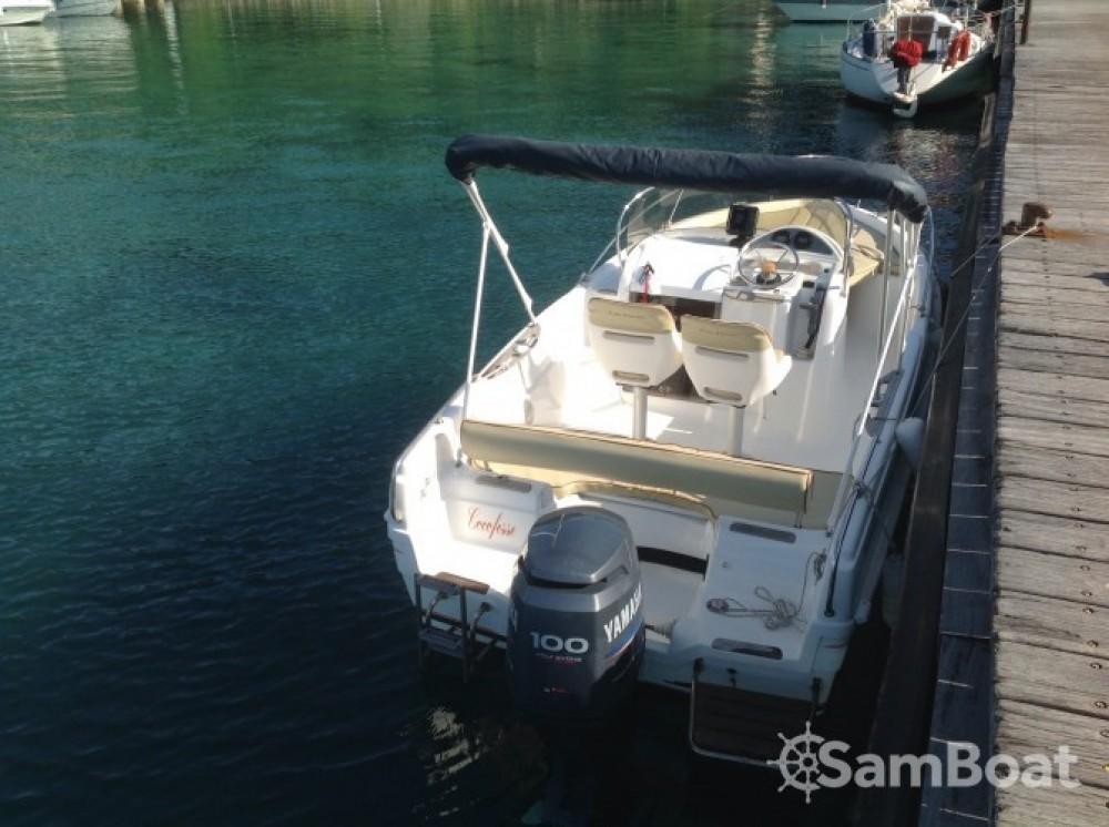Location bateau B2 Marine Cap Ferret 552 Open Swing à Cannes sur Samboat