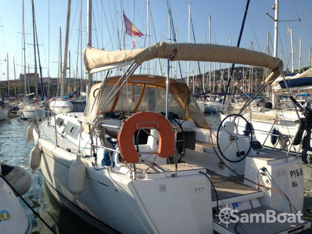 Bootverhuur Dufour Dufour 375 in Sanary-sur-Mer via SamBoat