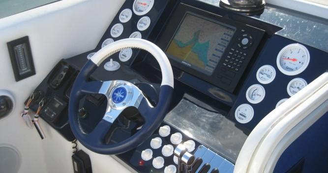Louer Bateau à moteur avec ou sans skipper Performance à Saint-Tropez