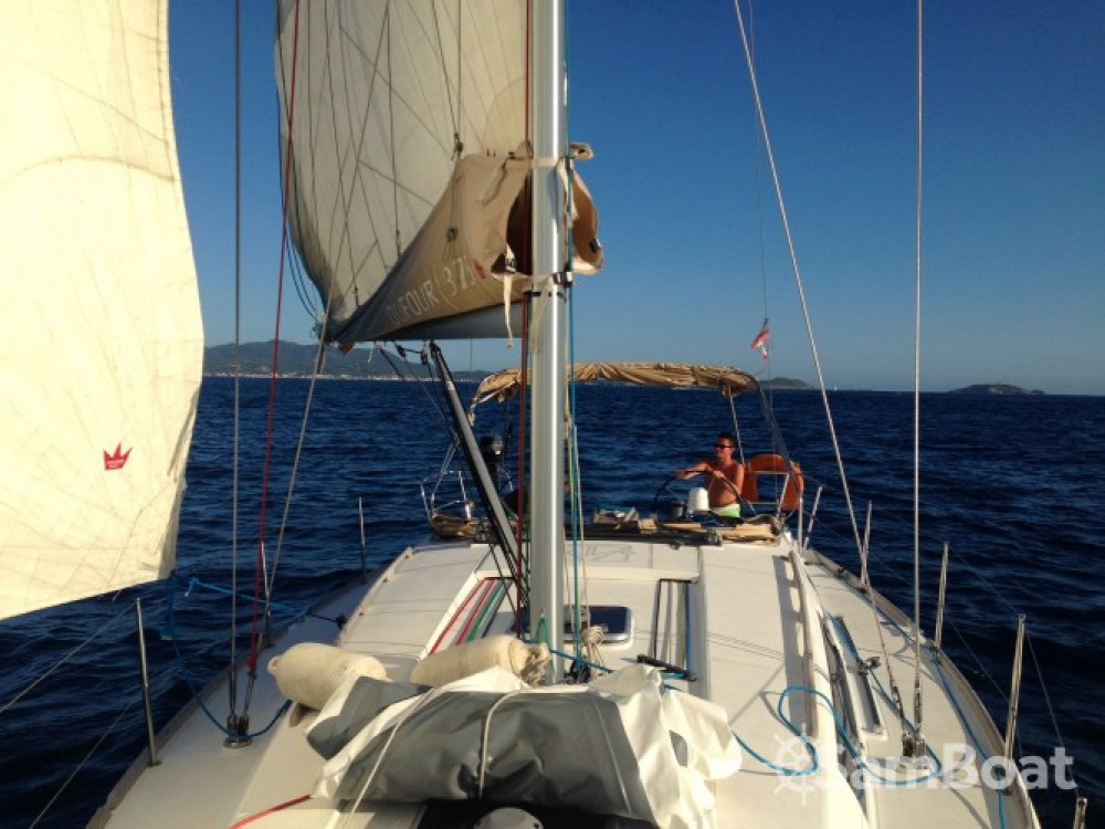Verhuur Zeilboot in Sanary-sur-Mer - Dufour Dufour 375