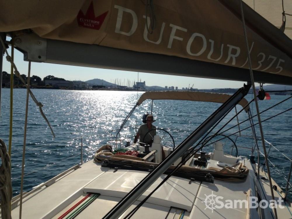 Huur een Dufour Dufour 375 in Sanary-sur-Mer