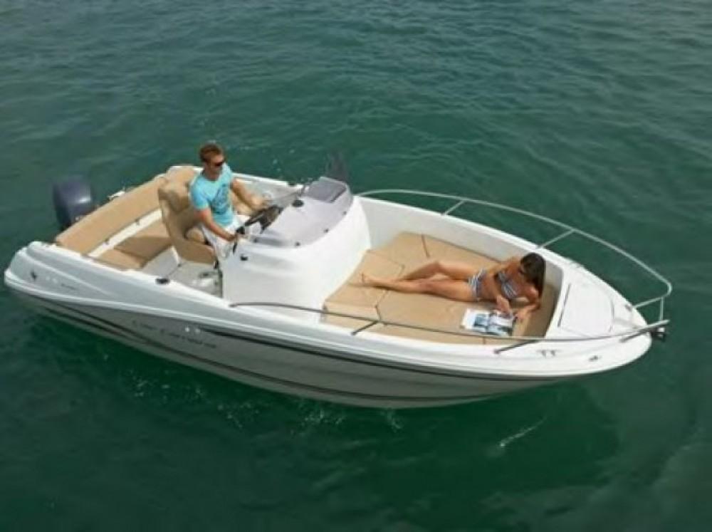 Barca a motore a noleggio Tolone al miglior prezzo