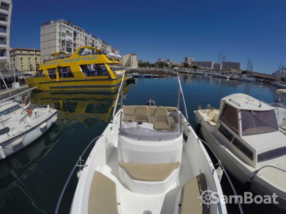 Noleggio barche Tolone economico Cap Camarat 650