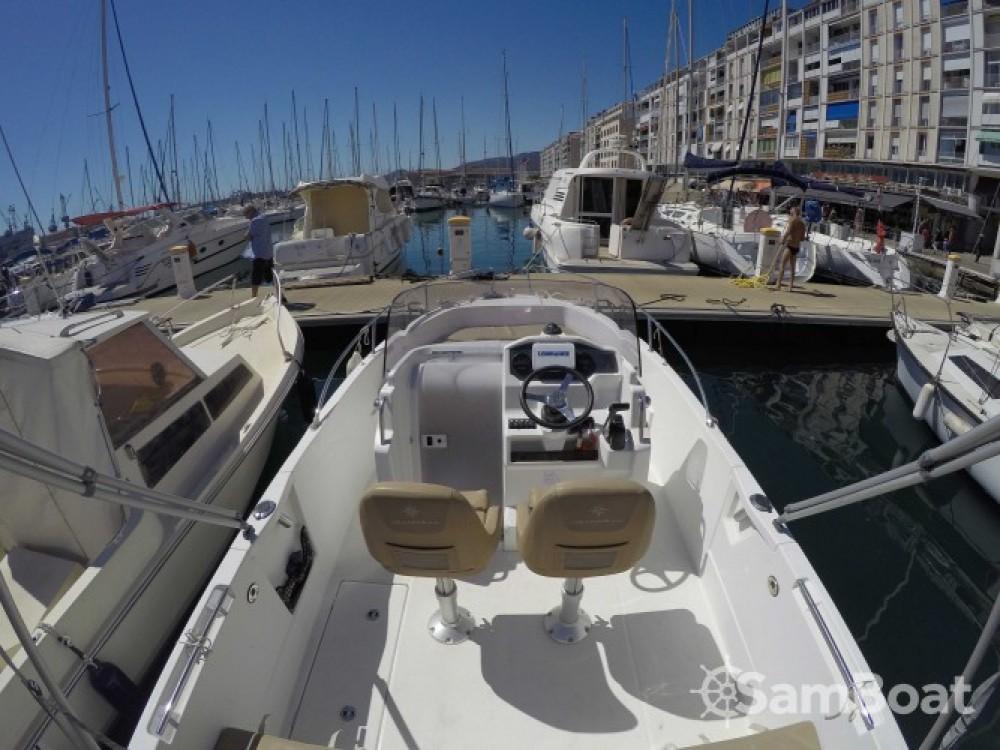 Noleggio yacht Tolone - Jeanneau Cap Camarat 650 su SamBoat