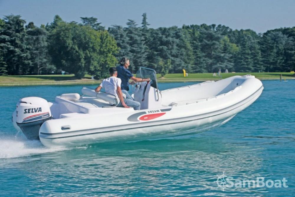 Verhuur Rubberboot Selva met vaarbewijs