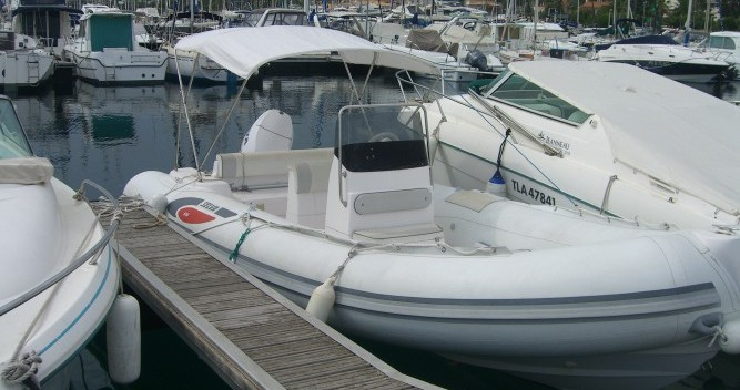 Location bateau Saint-Raphaël pas cher Selva 600