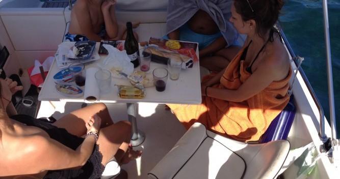 Location bateau Antibes pas cher Pacific Craft 650 WA