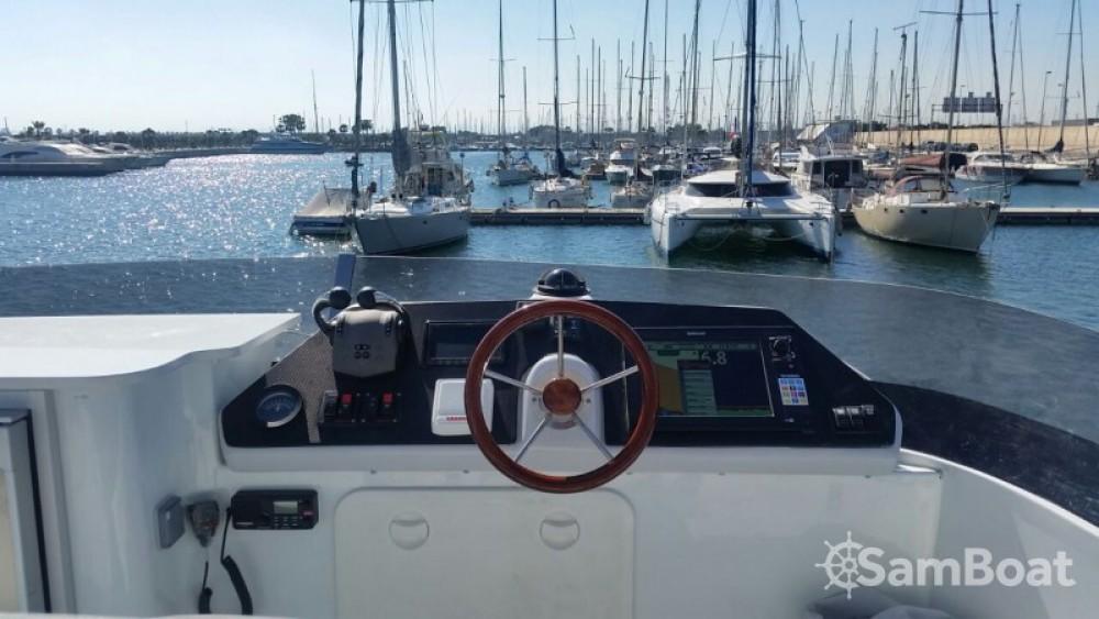 Barca a motore a noleggio Cogolin al miglior prezzo