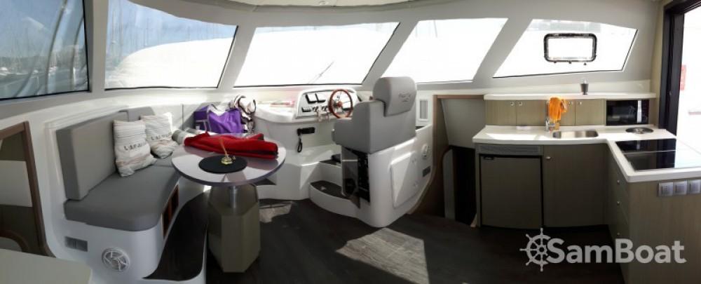 Vermietung Motorboot Flash Catamarans mit Führerschein