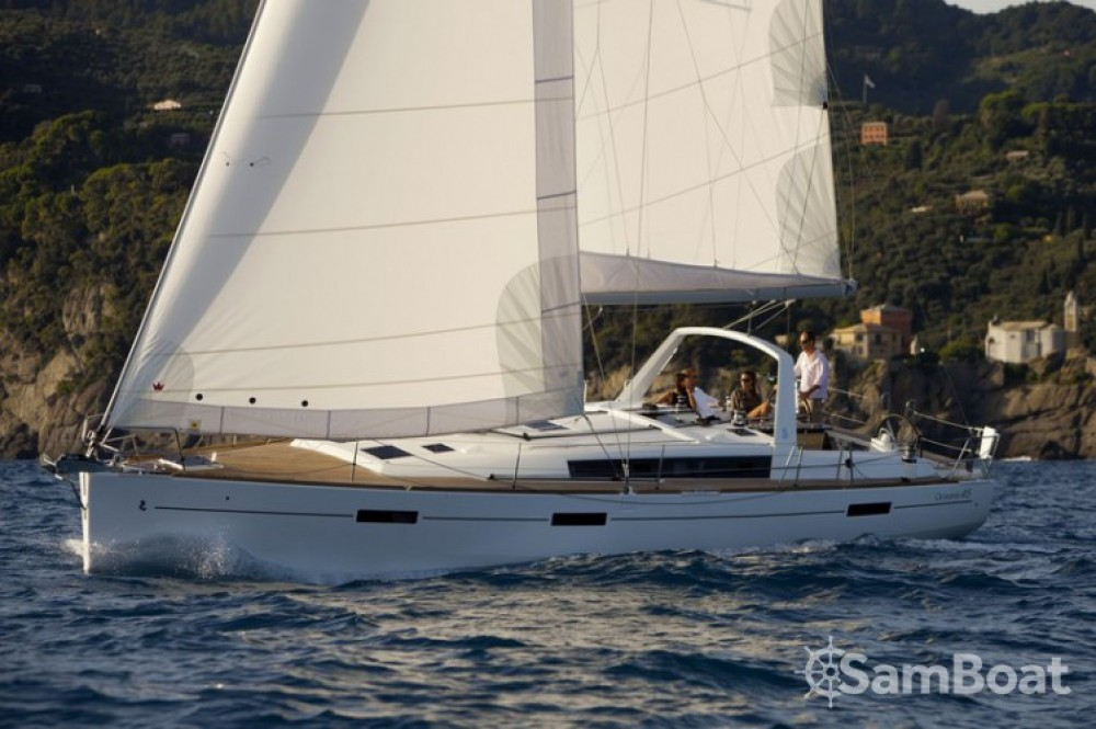 Rental Sailboat in Golfe-Juan - Bénéteau Oceanis 45