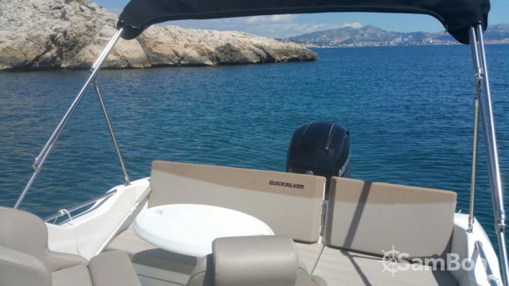 Location bateau Marseille pas cher Quicksilver 605 Sundeck
