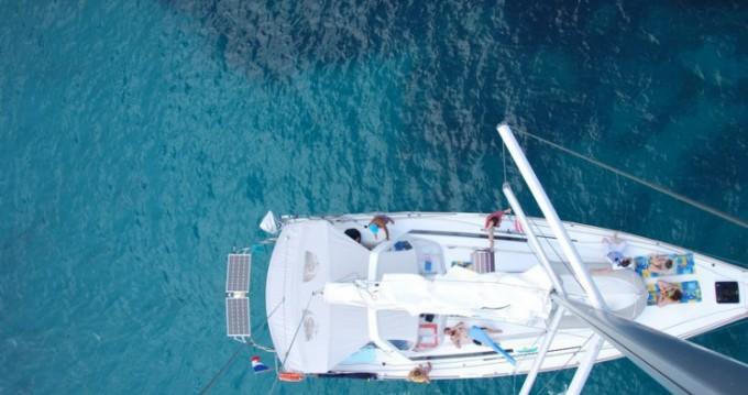 Ein Bénéteau Oceanis 45 mieten in Golfe-Juan