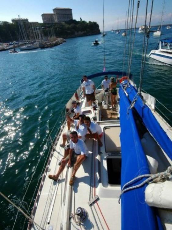 Barca a vela a noleggio Tolone al miglior prezzo