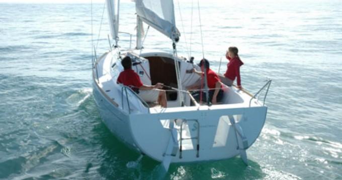 Location bateau Bénéteau First 25.7 à La Rochelle sur Samboat