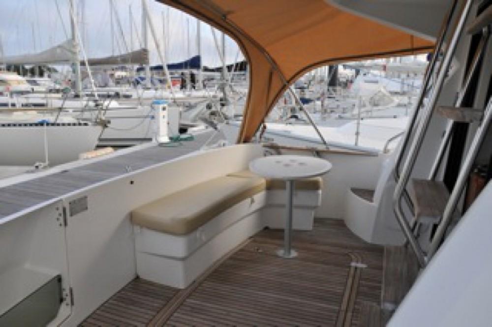 Location bateau Bénéteau Antares 36 à La Rochelle sur Samboat