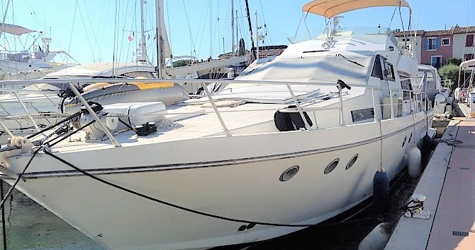 Louer Bateau à moteur avec ou sans skipper Guy Couach à Port Grimaud