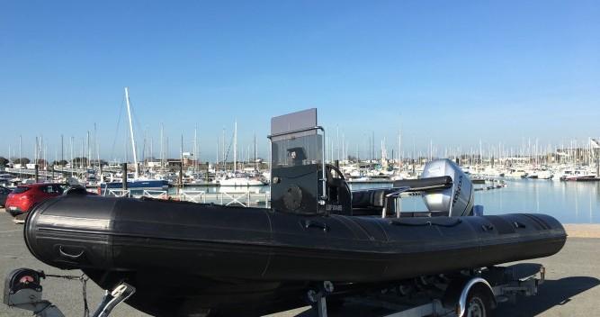 Louer Semi-rigide avec ou sans skipper Neuvisa à La Rochelle