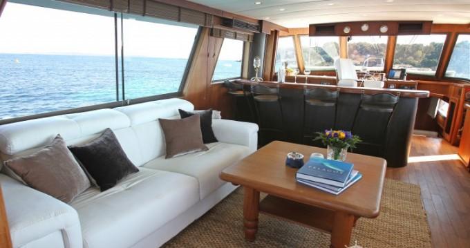 Yacht à louer à Antibes au meilleur prix