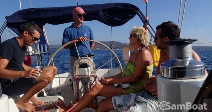 Louer Voilier avec ou sans skipper Bénéteau à Hyères