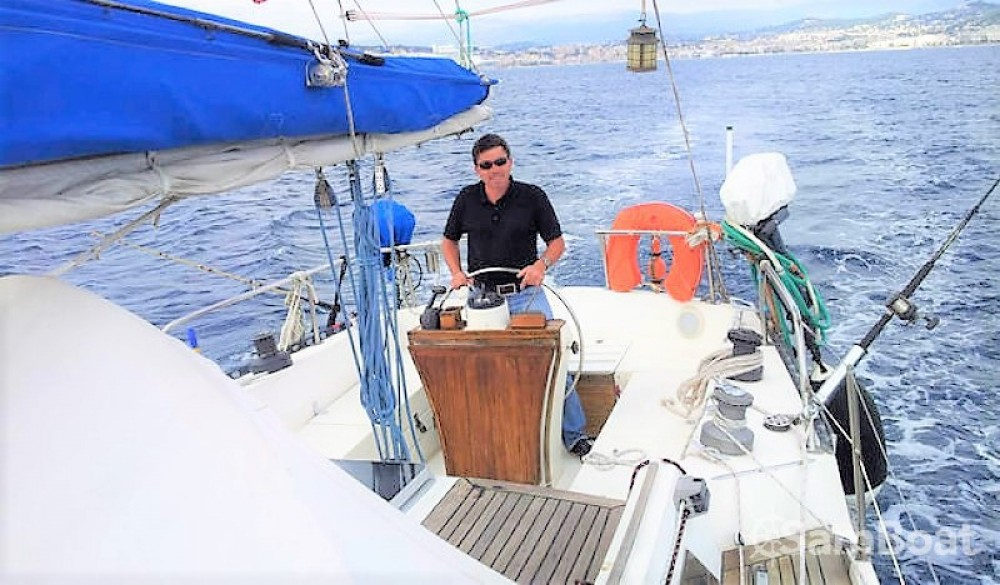 Guy-Yacht V12 entre particulares y profesional Cannes