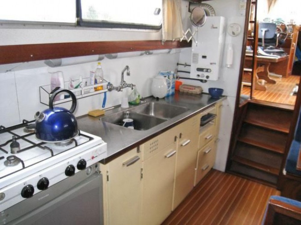 Houseboat for rent Nantes at the best price