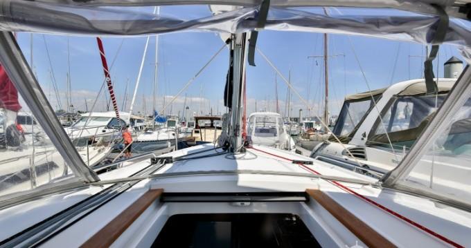 Location bateau Les Sables-d'Olonne pas cher Oceanis 35