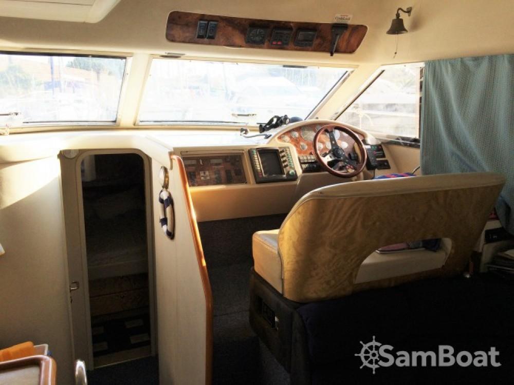 Location bateau Hyères pas cher Princess 360