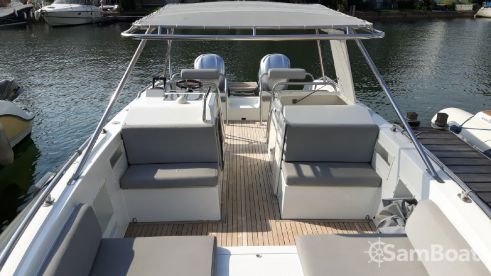 Motorboot mieten in Port Grimaud - Ivela Catamaran