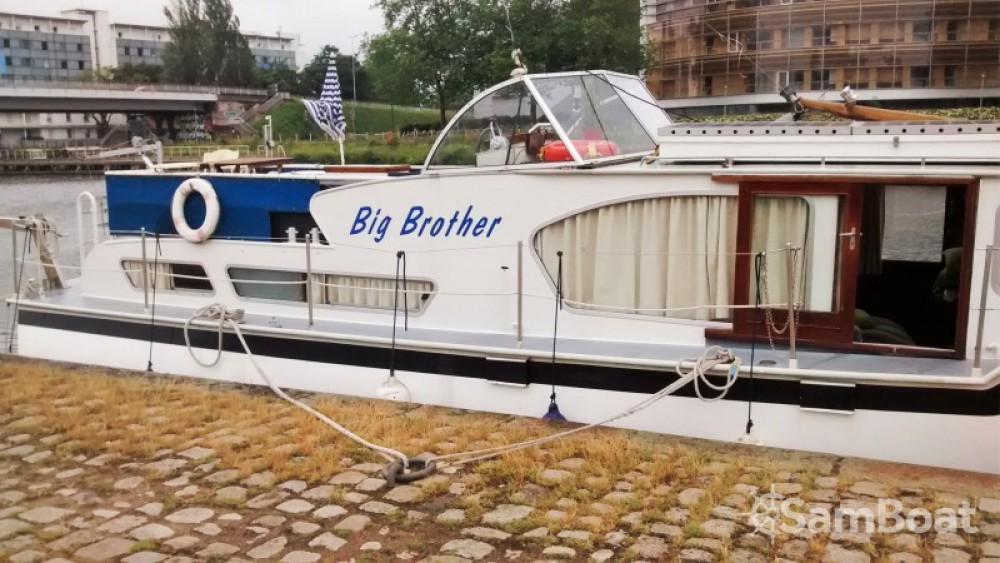 Hire Houseboat with or without skipper Kompier Nantes