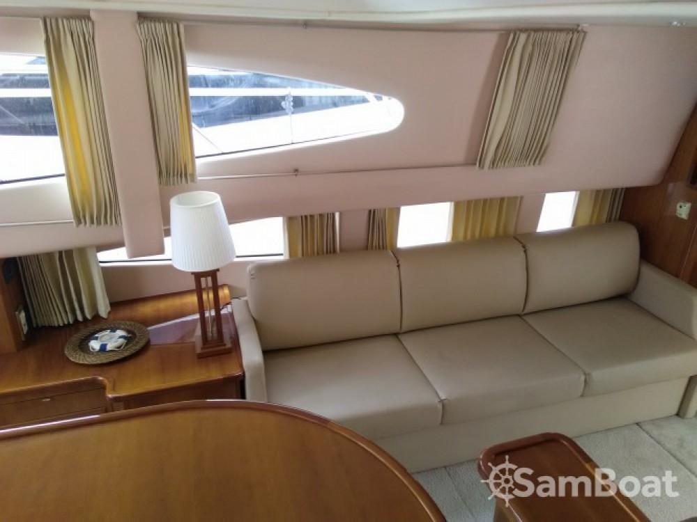 Location yacht à Villeneuve-Loubet - Carver 380 SS sur SamBoat