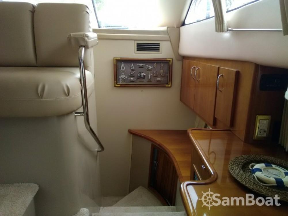 Location bateau Carver 380 SS à Villeneuve-Loubet sur Samboat