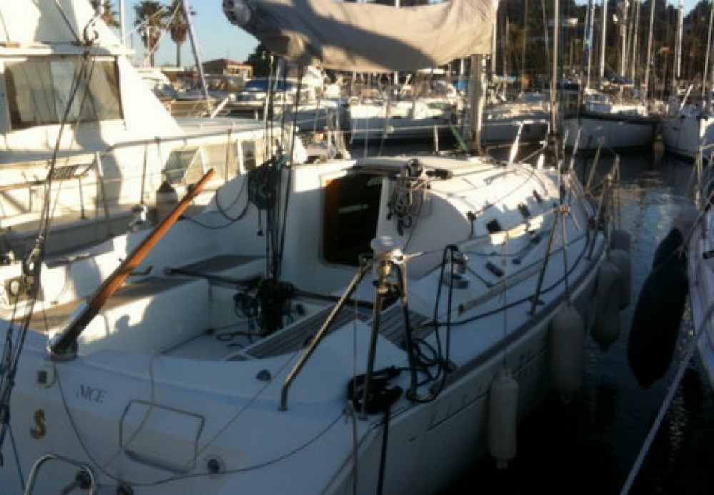 Sailboat for rent Cavalaire-sur-Mer at the best price