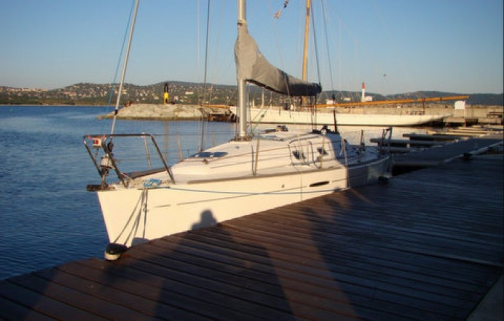 Rental yacht Cavalaire-sur-Mer - Bénéteau First 31.7 on SamBoat